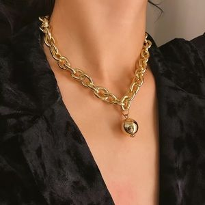 Jewelry - Statement Chic Gold Pendant Chocker Necklace